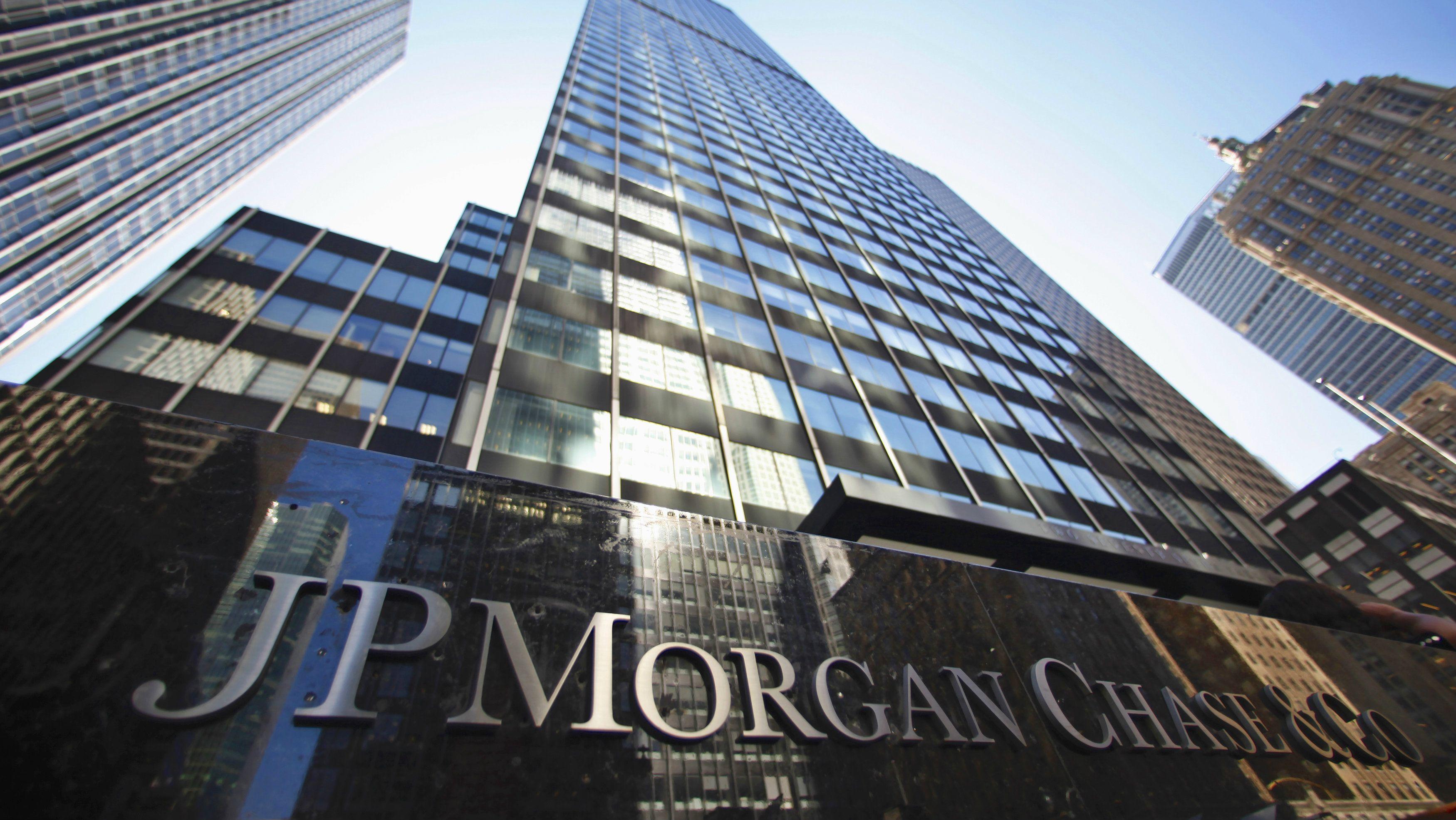 JP Morgan: utili e fatturato salgono a massimi storici. Volatilità dà spinta a trading azionario