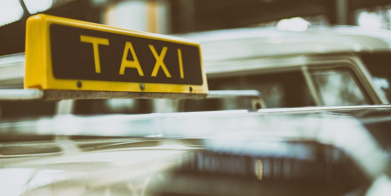 Taxi piangono ristoro crisi