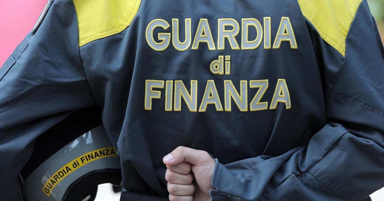 Truffa alla Regione Puglia, tra gli arresti: avvocati e dipendenti di tribunale