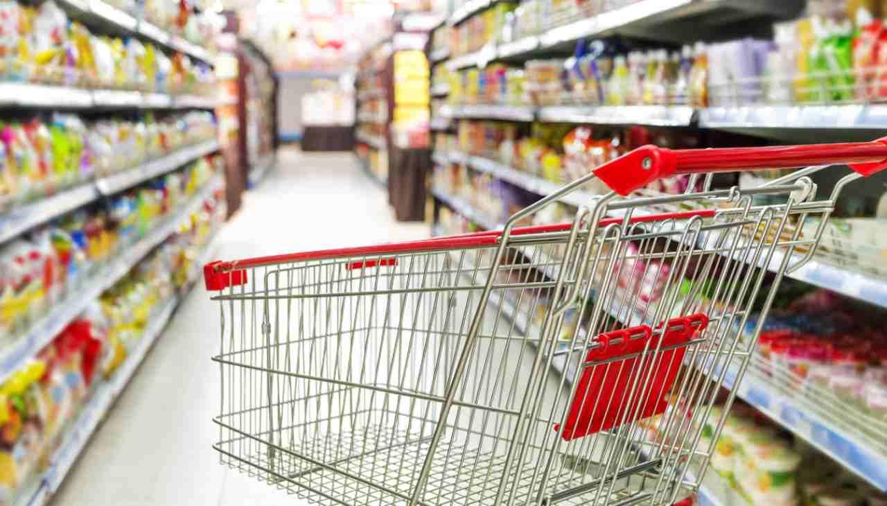 Il trucco dei supermercati per farci spendere di più