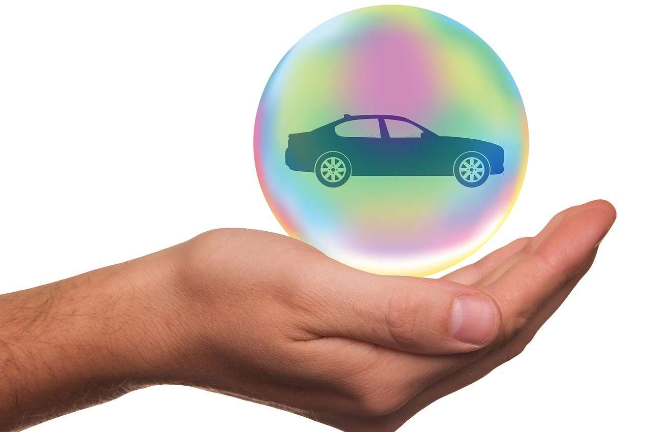assicurazione auto moto calo dei prezzi