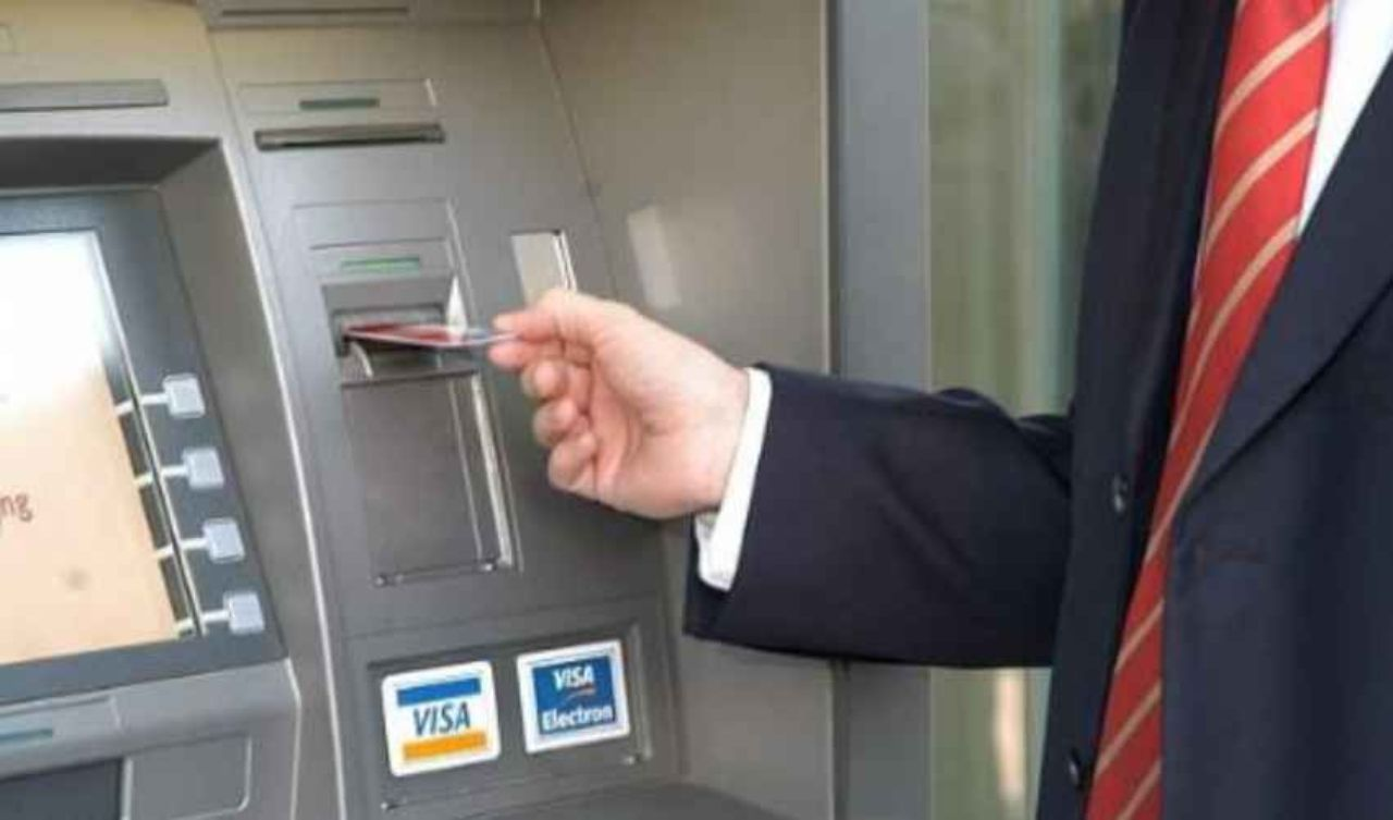 Dall'Italia l'idea contro il riciclaggio: un bancomat 'intelligente'