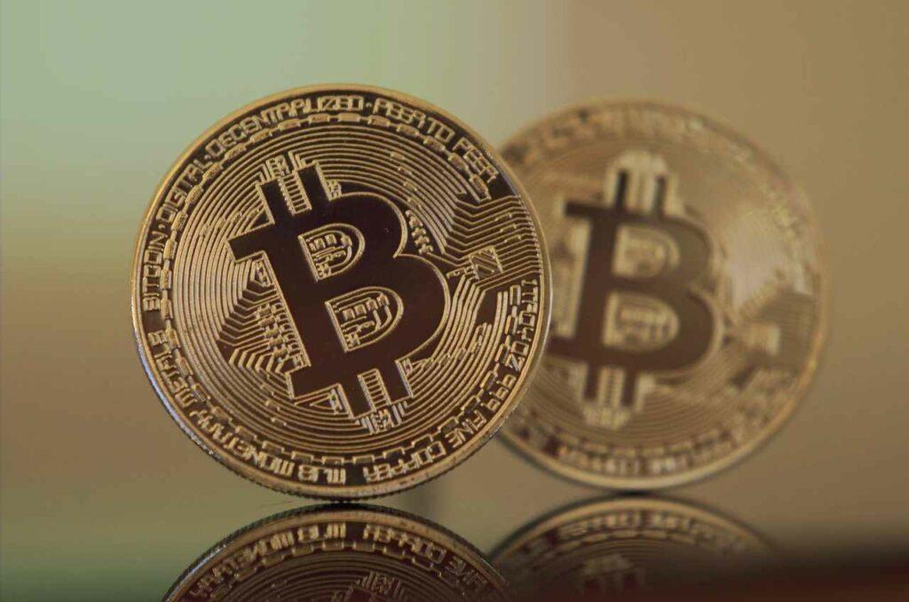 Ecco cosa si rischia se si decide di investire in Bitcoin