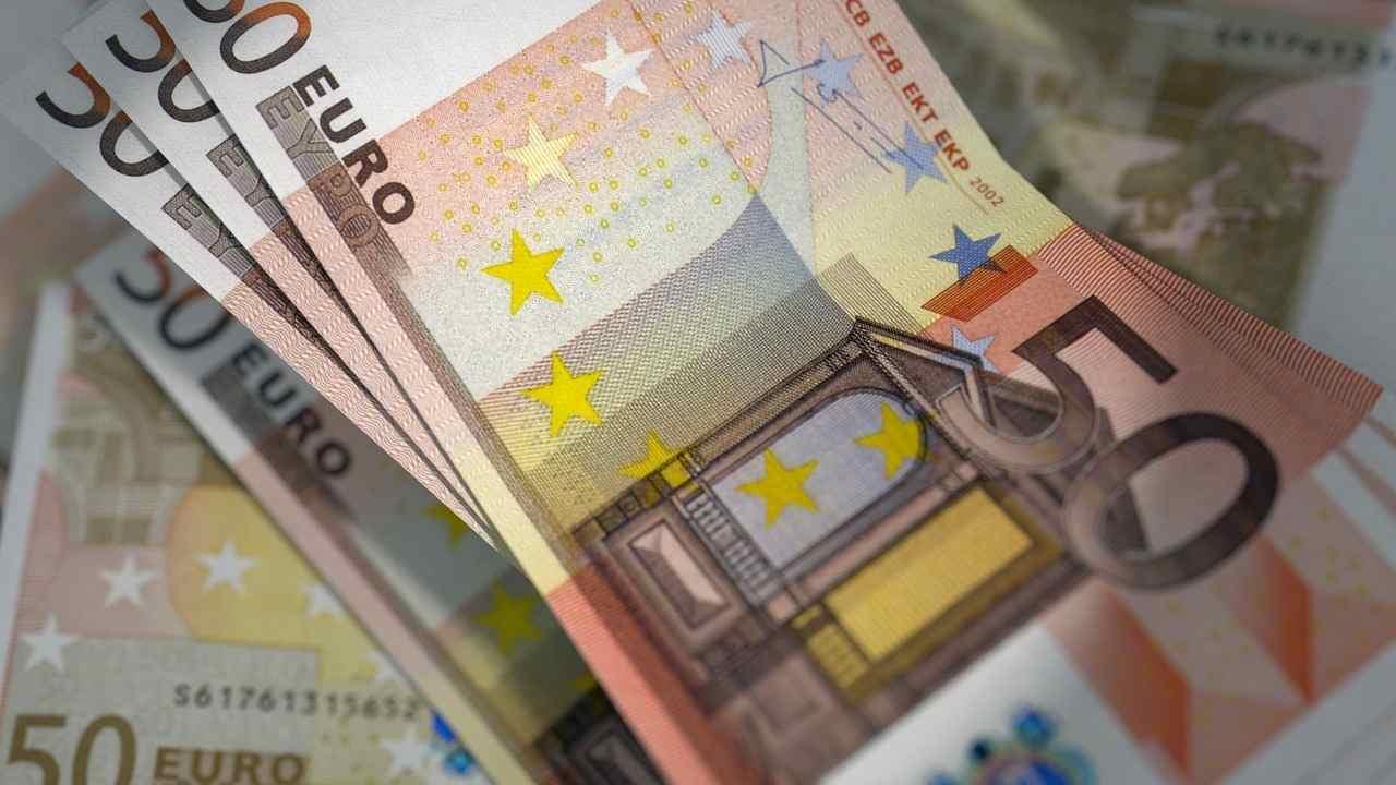 Ricava quasi 100mila euro in 15 anni: ecco quanto devi risparmiare