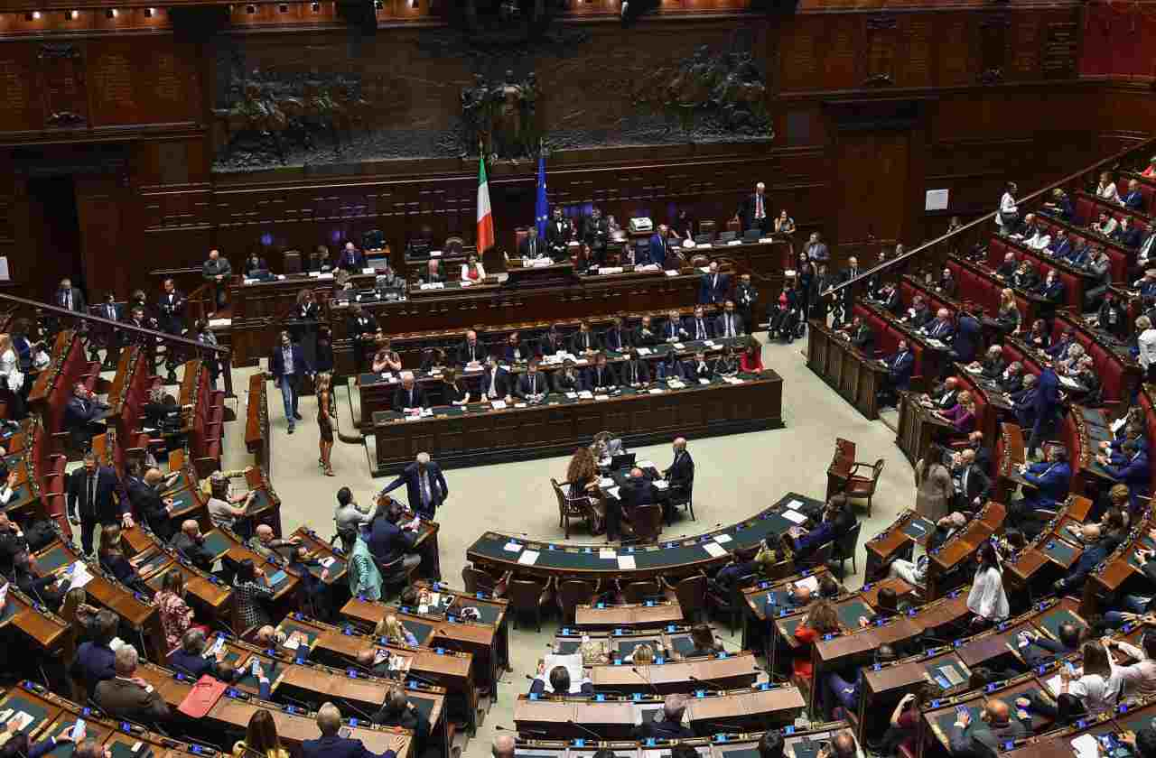 parlamentari, onorevoli, deputati, senato, camera