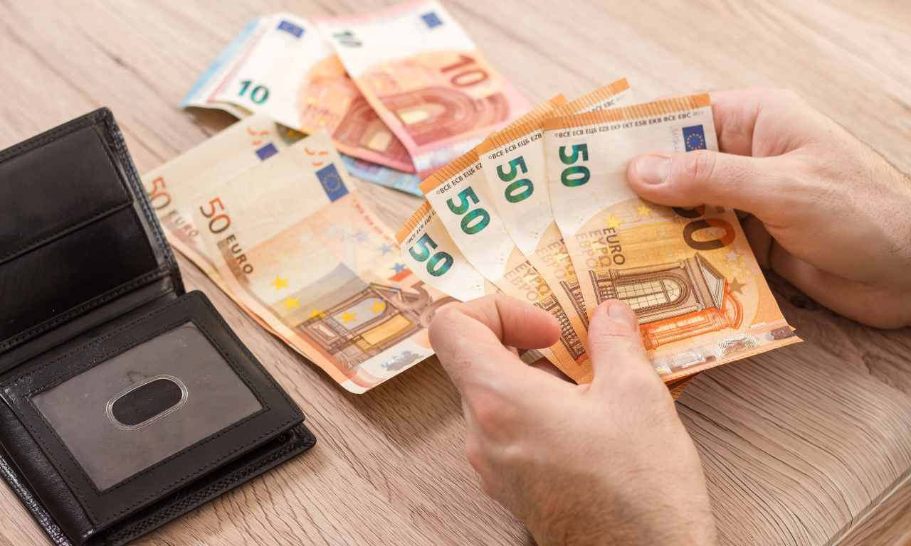 pensioni, soldi, euro