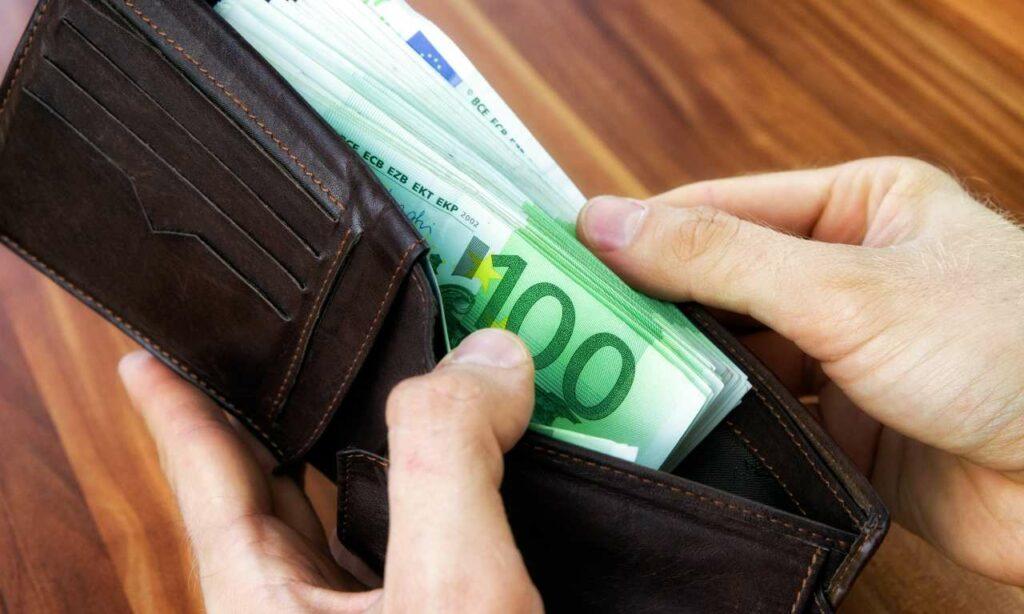 portafogli-soldi-bancomat