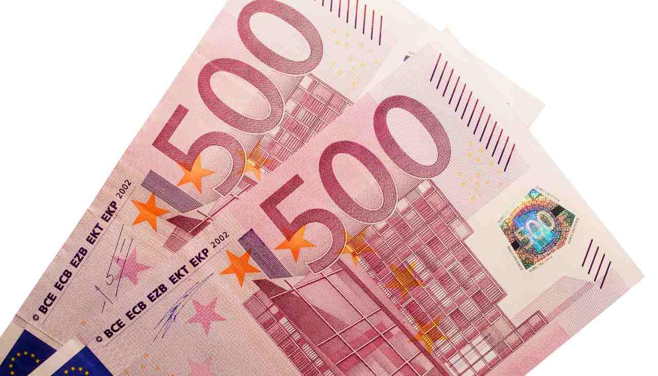 soldi denaro 1000 euro