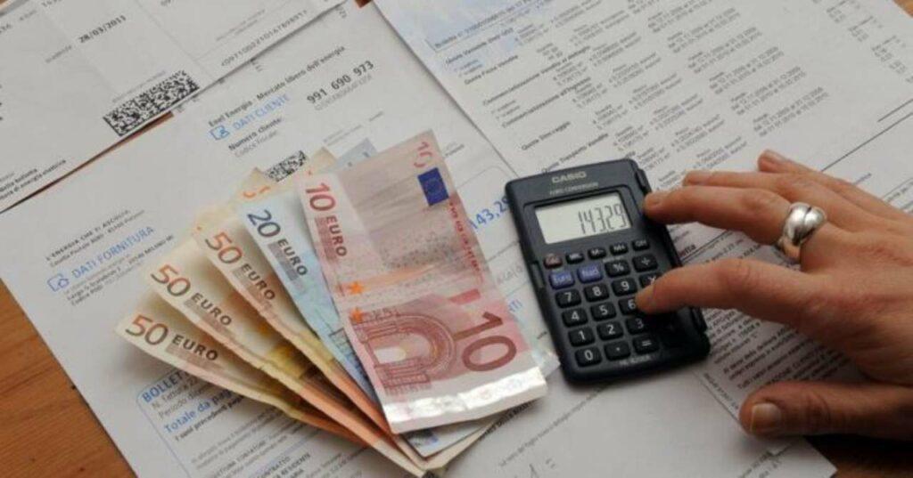 Come risparmiare sulla bolletta elettrica: conviene aspettare ancora?
