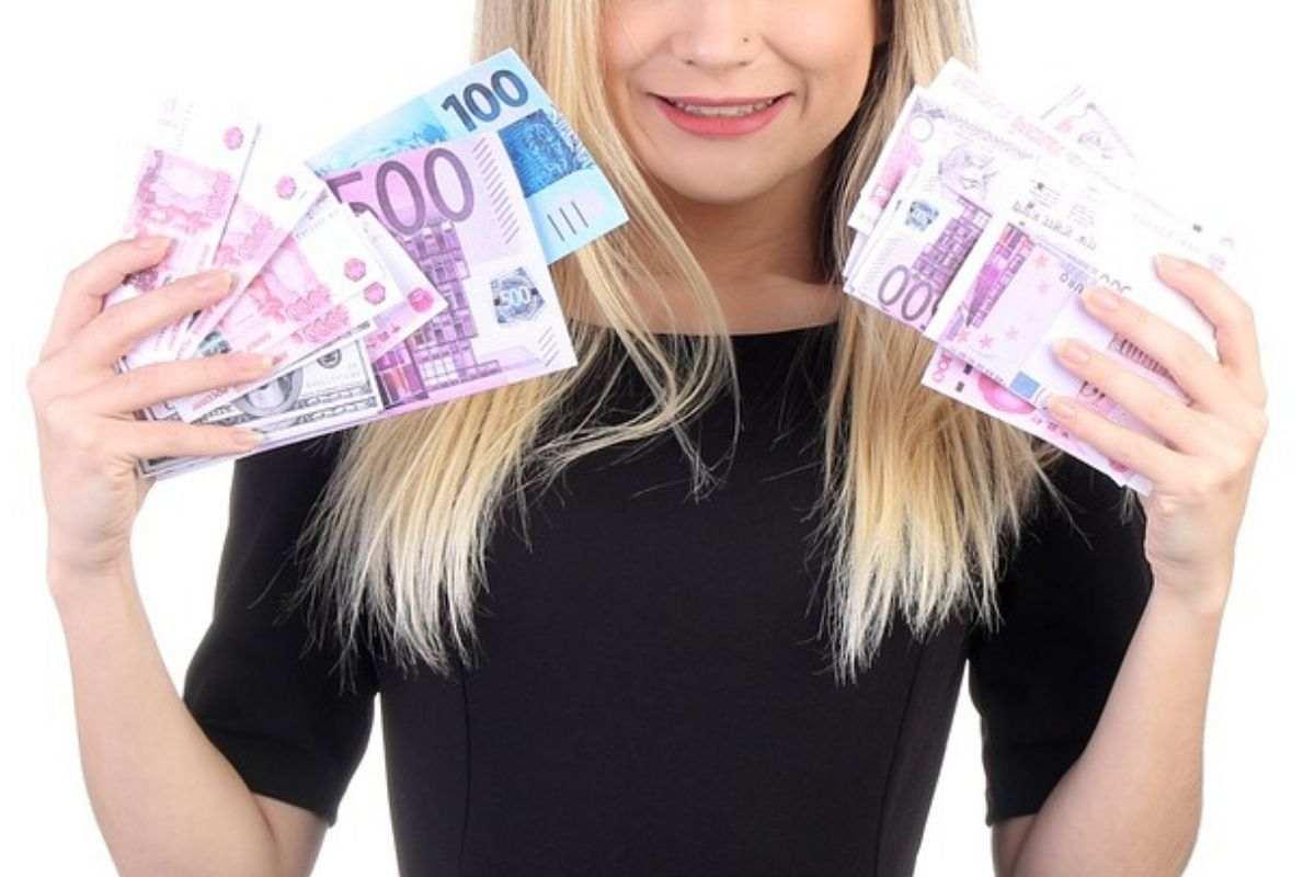 donne soldi bonus