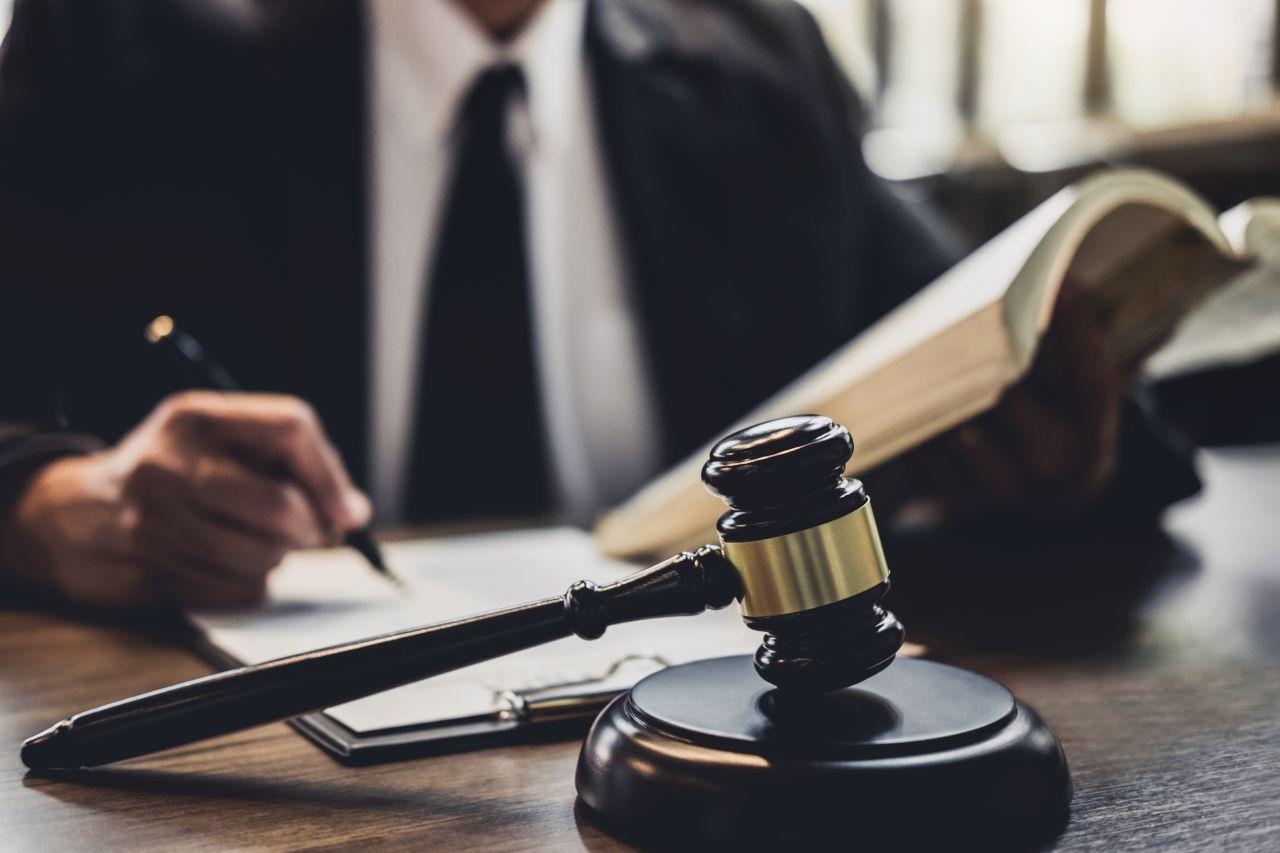 lavoro, giudice, legge