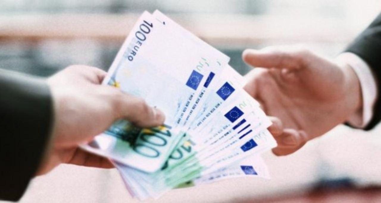 Pagamenti in contante oltre i 1.000 euro vietati a breve: ecco cosa si rischia