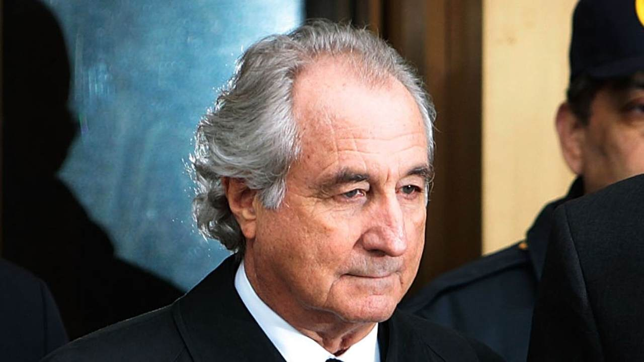 Come funzionava lo schema Ponzi con cui Bernie Madoff ha truffato 37mila persone