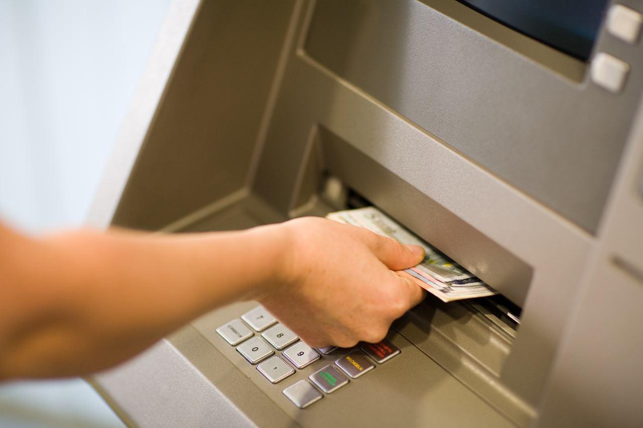 Bancomat e libretti postali