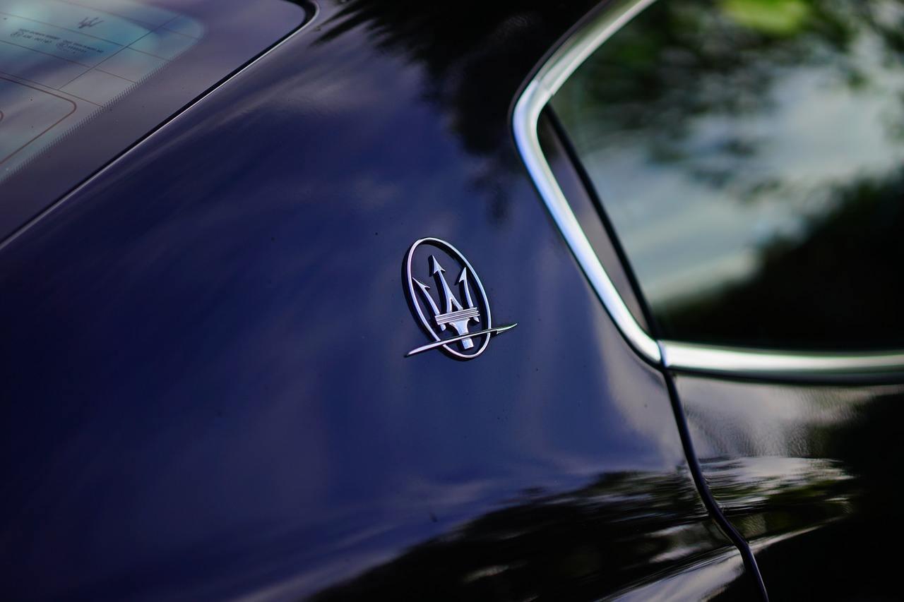 Maserati furto ladri