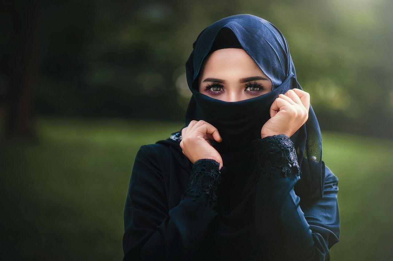 velo islamico a lavoro