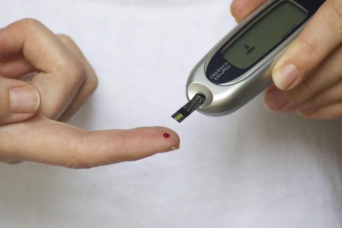 Diabete, basta puntura al dito