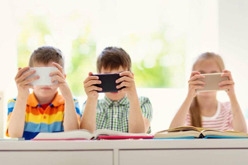 smartphone minori