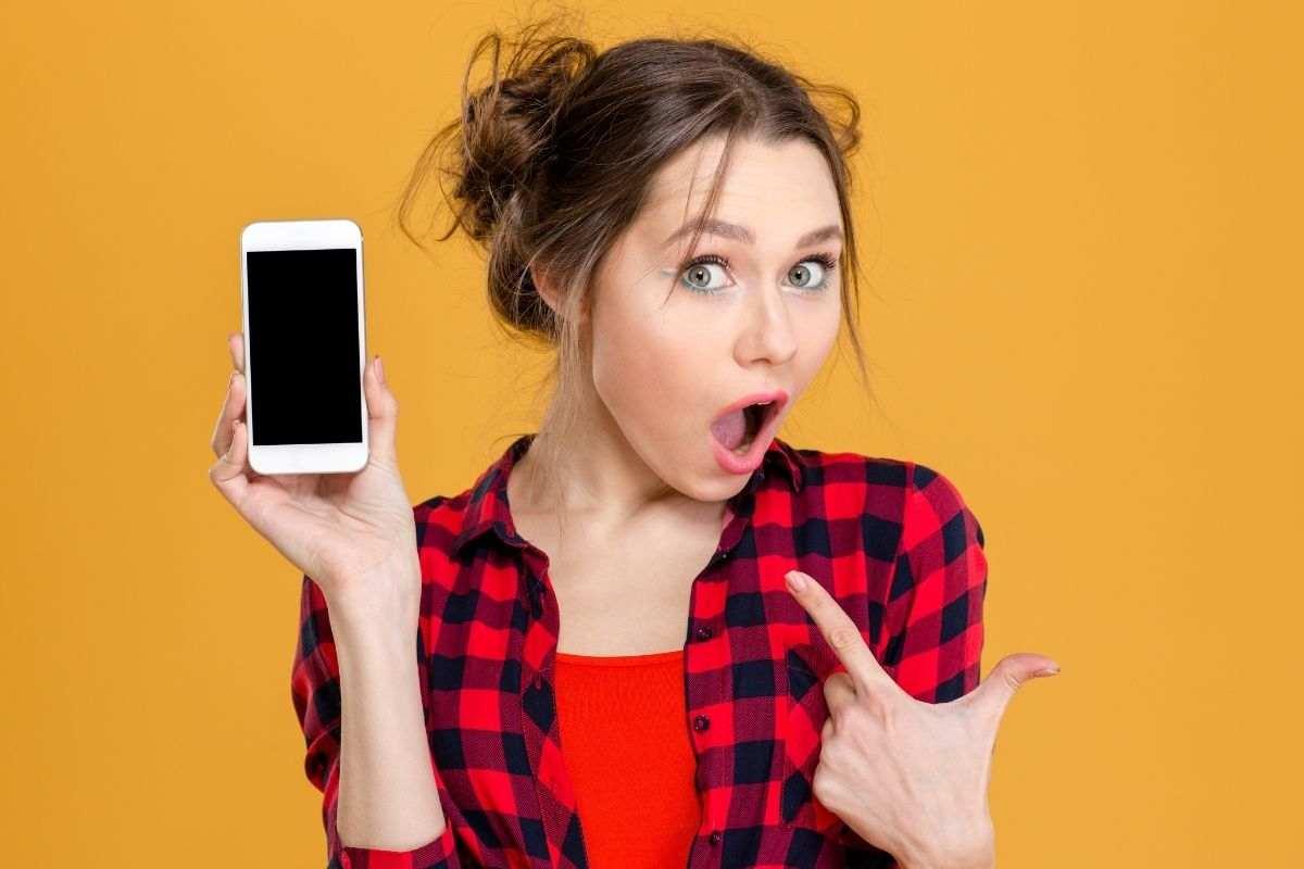 smartphone servizi non richiesti